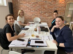 szkolenie z kolorymetrii szkolenie z makijażu permanentnego